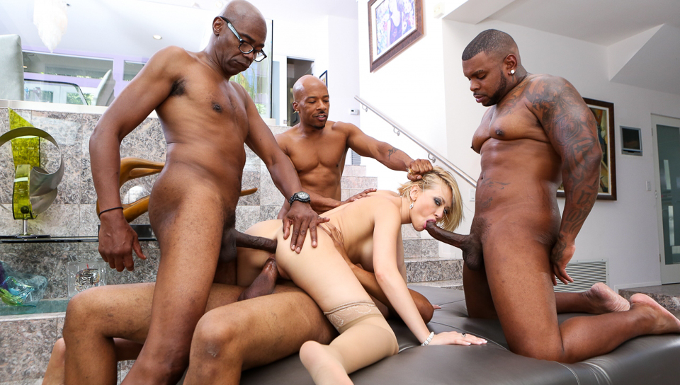 Kinky Nikki Phoenix Gets Interracial Fuck At Blacks On Blond X Hamster 1