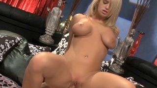 Blonde goddess exhausts and wrings a big thick cock with her pussy